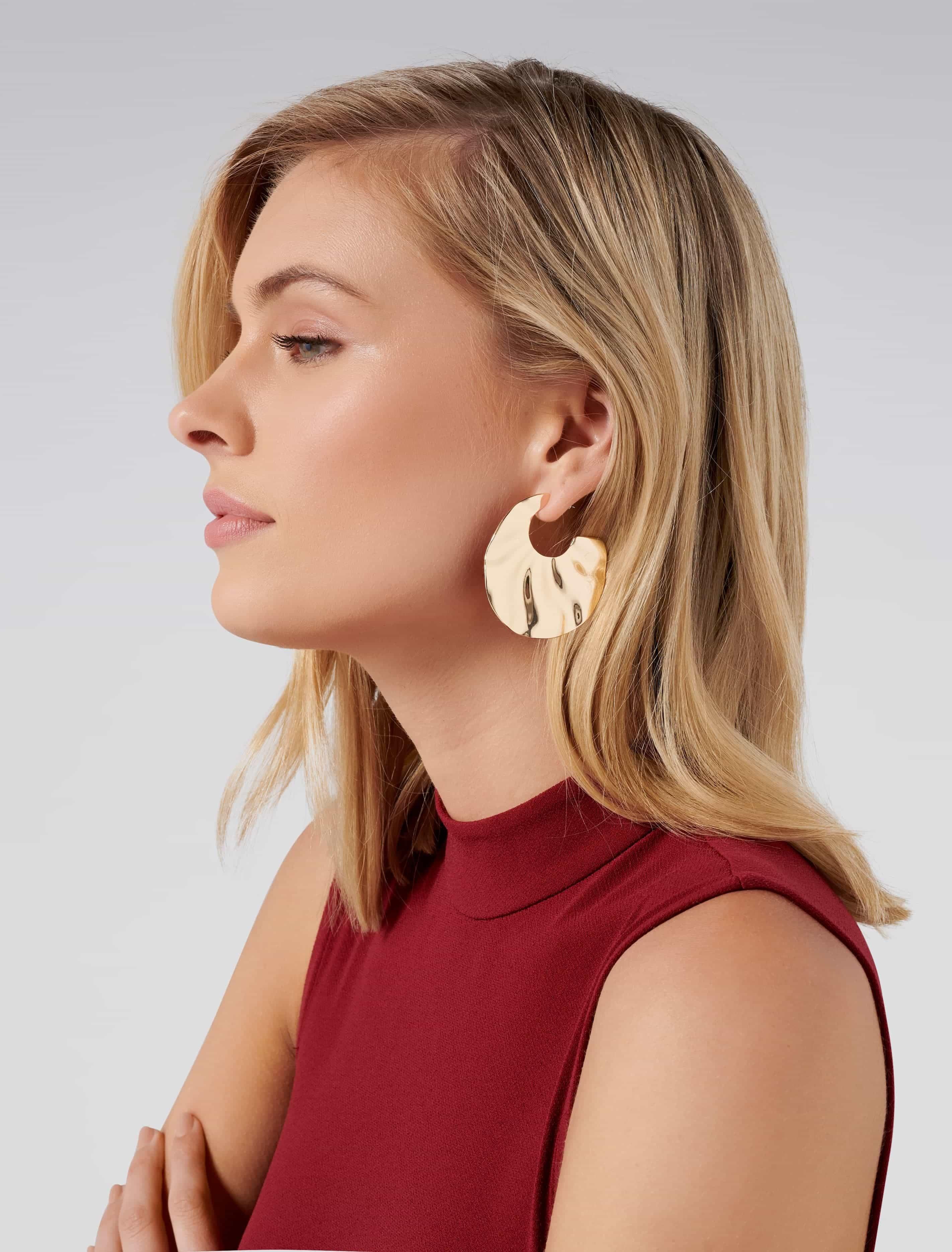 Ever New Cara Beaten Metal Hoop Earrings - Gold