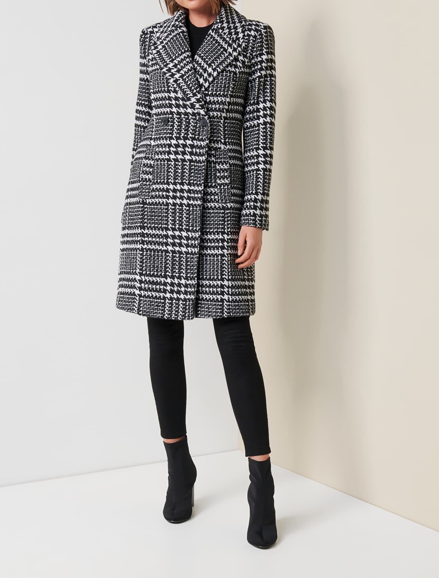 1950s Jackets, Coats, Bolero | Swing, Pin Up, Rockabilly Jillian Houndstooth Coat - Black and Porcelain - 14 $146.99 AT vintagedancer.com